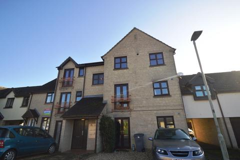 2 bedroom flat to rent - Woodhouse Close, Cirencester