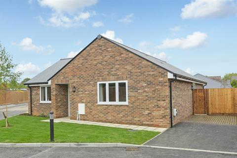 3 bedroom bungalow for sale - Mulberry Place, Maidstone - READY TO MOVE IN