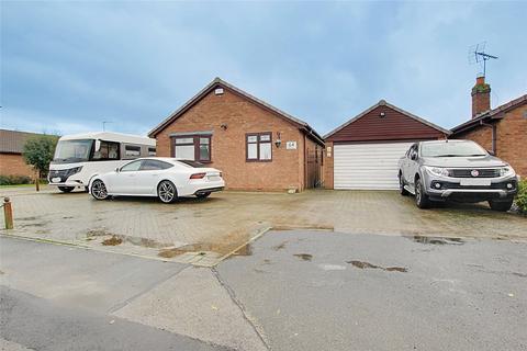 3 bedroom bungalow for sale - East End Road, Preston, Hull, East Yorkshire, HU12