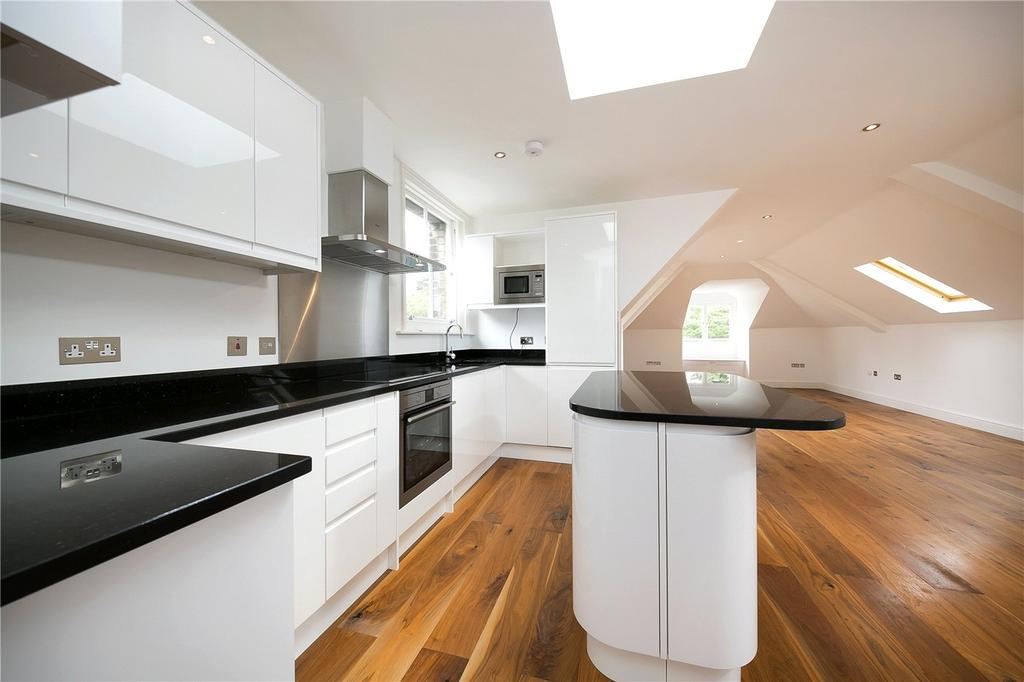 2 Bedrooms Flat for sale in Normansfield Court, Gabriella Park Gardens, Teddington, Middlesex, TW11