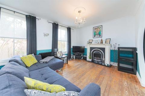 3 bedroom flat for sale - Glyn Road, Hackney, London