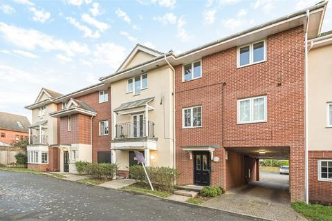 1 bedroom flat for sale - Pounden Court, 6 Aitken Close, Ruislip, Greater London