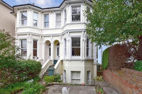 2 bedroom ground floor flat to rent - Garden Road Tunbridge Wells TN1