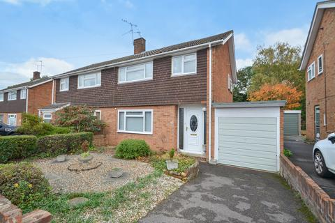 3 bedroom semi-detached house for sale - Freeman Way, Maidstone