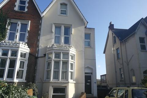 2 bedroom flat to rent - BASEMENT FLAT, 75 VICTORIA ROAD SOUTH, PO5 2BU