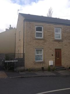 3 bedroom semi-detached house to rent - Hadfield Place, Glossop