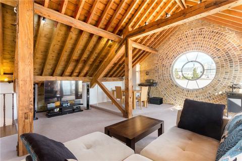 2 bedroom flat to rent - New Concordia Wharf, Mill Street, London, SE1