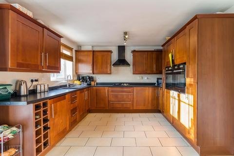 4 bedroom detached house for sale - Pencoedtre Village, Barry