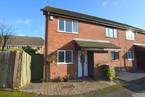 2 bedroom end of terrace house for sale - Bowbrook Vale, Wigmore, Luton, Bedfordshire, LU2 8SY