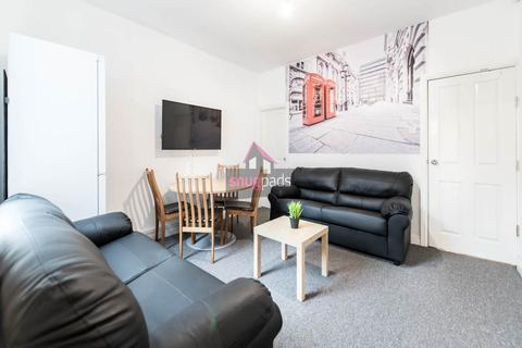 5 bedroom house to rent - Highfield Road, Salford,
