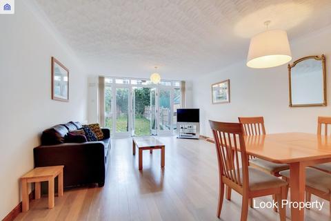 5 bedroom townhouse to rent - Eaton Terrace, Aberavon Road E3 5AJ