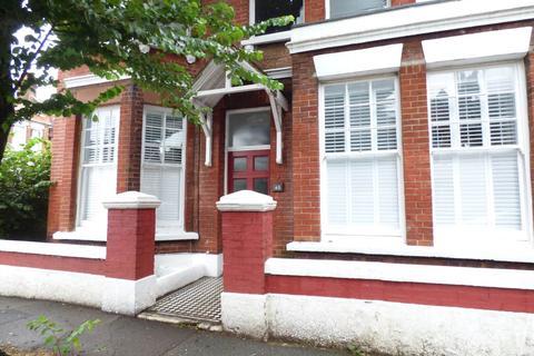Studio to rent - Osmond Road, Hove,
