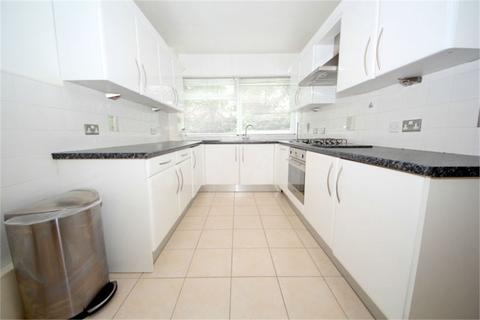 2 bedroom ground floor flat to rent - Private Road, ENFIELD, EN1