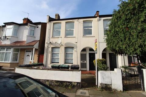 2 bedroom apartment to rent - Grainger Road, Wood Green, N22