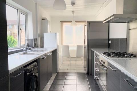 4 bedroom terraced house to rent - Church Street, Edmonton, London N9