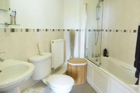 3 bedroom apartment to rent - Osterley Road, Stoke Newington, London