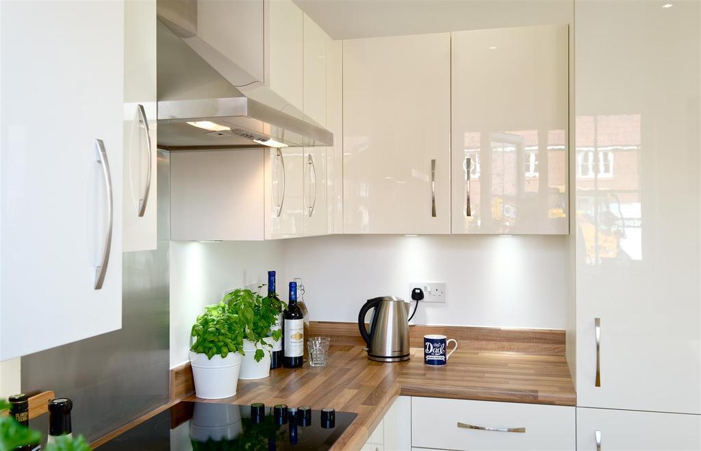 Walbrook Kitchen 2 Dif Rent.jpg