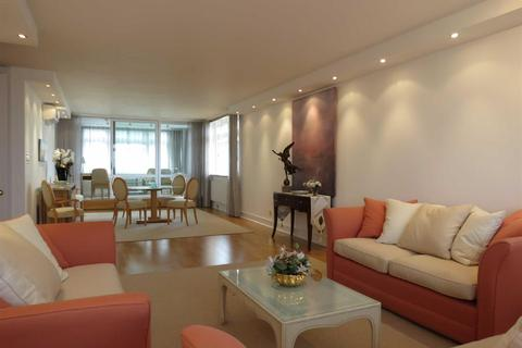 3 bedroom apartment to rent - Park Towers, Brick Street, Mayfair