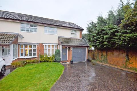 3 bedroom semi-detached house for sale - Kershaw Close, Luton