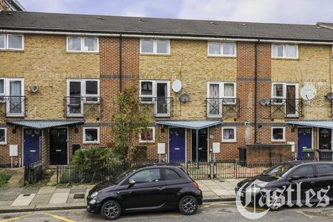 3 bedroom terraced house for sale - Park Road, Bounds Green, N11