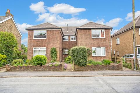 2 bedroom maisonette for sale - Lyme Regis Road, Banstead