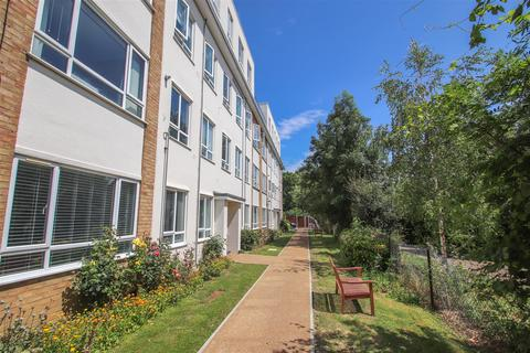 2 bedroom ground floor flat for sale - Grove Court, Southbourne Grove, Westcliff-on-Sea