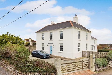 6 bedroom detached house for sale - Penmenner Road, The Lizard