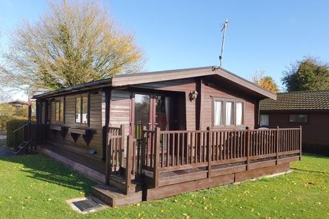 2 bedroom lodge for sale - Cotswold Hoburne - South Cerney - GL7