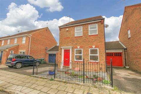 3 bedroom detached house for sale - Sandhill Way, Aylesbury
