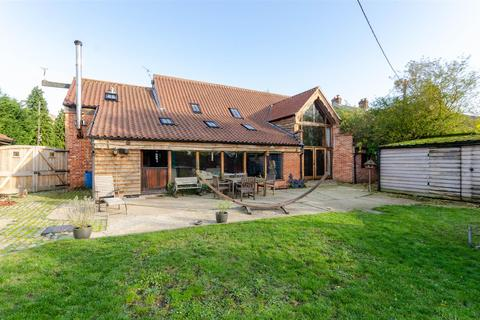 6 bedroom barn conversion for sale - Beccles, NR34