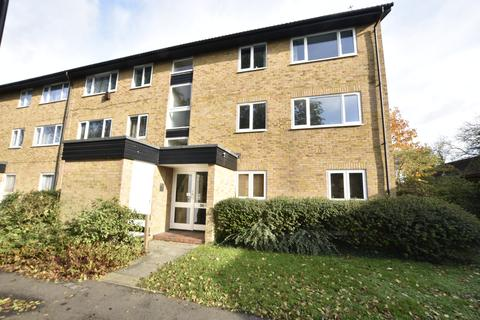 2 bedroom flat for sale - Beagle Close, Feltham, Middlesex, TW13