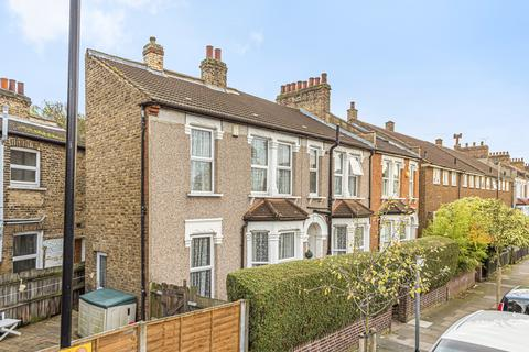 4 bedroom semi-detached house for sale - Farley Road London SE6