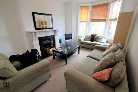 3 bedroom apartment to rent - B St Georges Terrace, Newcastle Upon Tyne