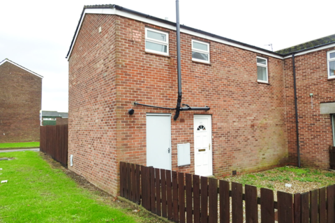 2 bedroom end of terrace house to rent - Madron Close, HU7