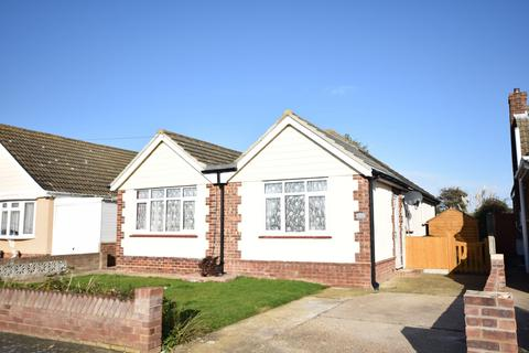 3 bedroom detached bungalow for sale - Tudor Green, Clacton-on-Sea