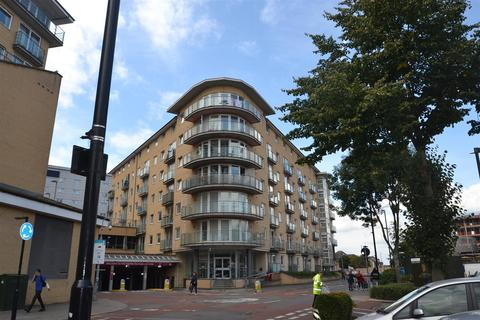 1 bedroom apartment for sale - Bergenia House, Bedfont, Feltham