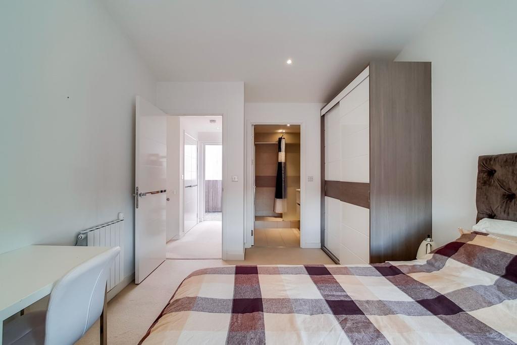 16 Master Bedroom 9