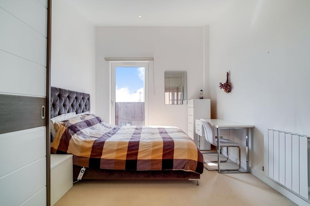 15 Master Bedroom 9