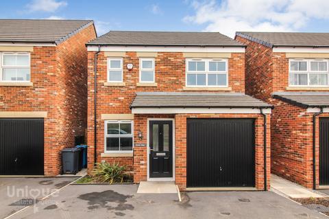 3 bedroom detached house for sale - Kershaw Close, Lytham St. Annes, Lancashire, FY8