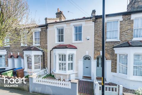 3 bedroom terraced house for sale - Landells Road, London