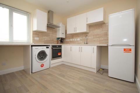 1 bedroom flat to rent - New Road, Dagenham, RM10