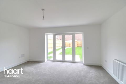3 bedroom end of terrace house for sale - Masterman Place, Uxbridge