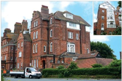 Studio to rent - Highland Mansions