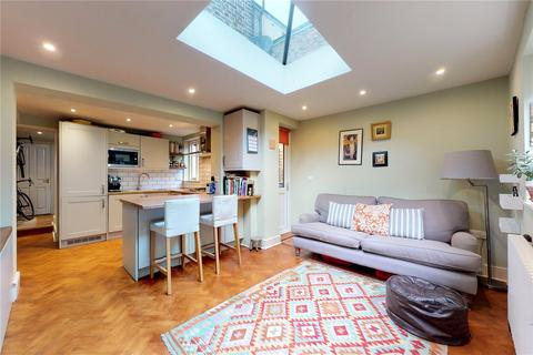 2 bedroom flat for sale - Bodney Road, London, E8