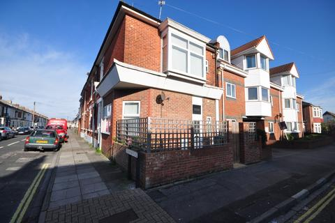2 bedroom end of terrace house to rent - Powerscourt Road Portsmouth PO2