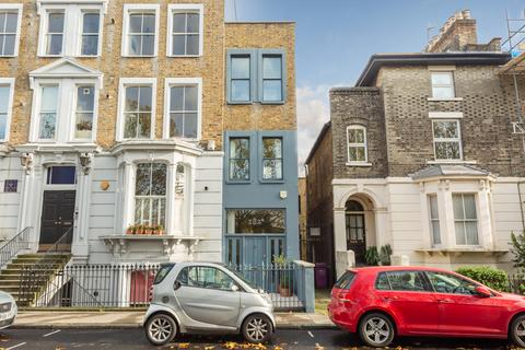 3 bedroom end of terrace house for sale - Grove Road, E3