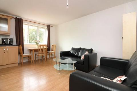 2 bedroom apartment to rent - Westferry Road, London, E14