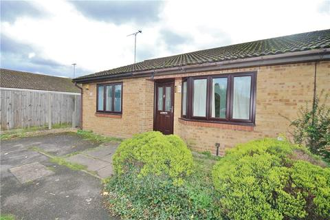 2 bedroom bungalow for sale - Meadow View, Hithermoor Road, Staines-upon-Thames, Surrey, TW19