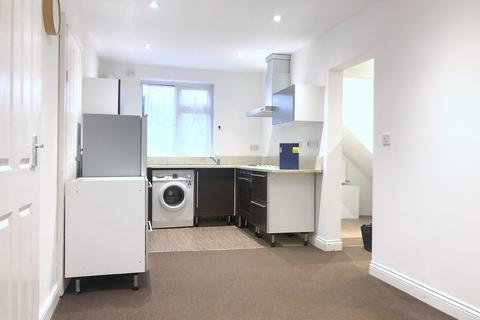 1 bedroom flat to rent - Thorn Close, Northolt, UB5