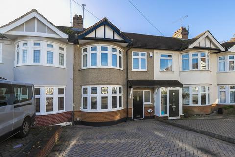3 bedroom terraced house for sale - Crossway, Woodford Green, IG8